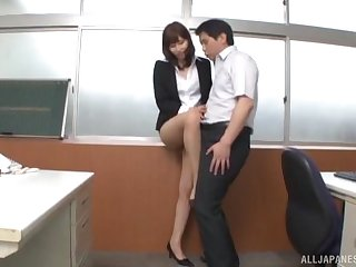 Quickie gender in the office anent a cute Japanese secretary