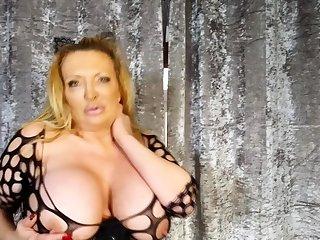 Big boob incomprehensible masturbates on webcam