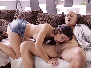 OLD4K. Naughty brunette tempts superannuated baffle into drilling her butthole