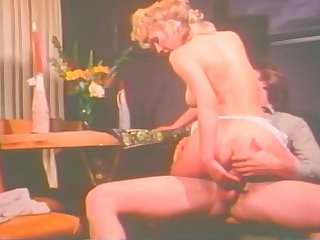 Vintage Bunny Bleu Gets Her Pussy Fucked By Hard Dick