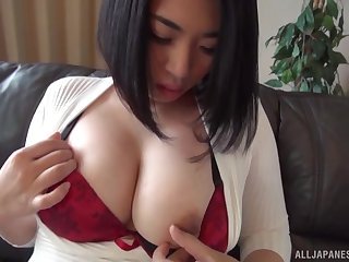 Amateur wife Niimi Madoka plays in the air her titties and hairy puss